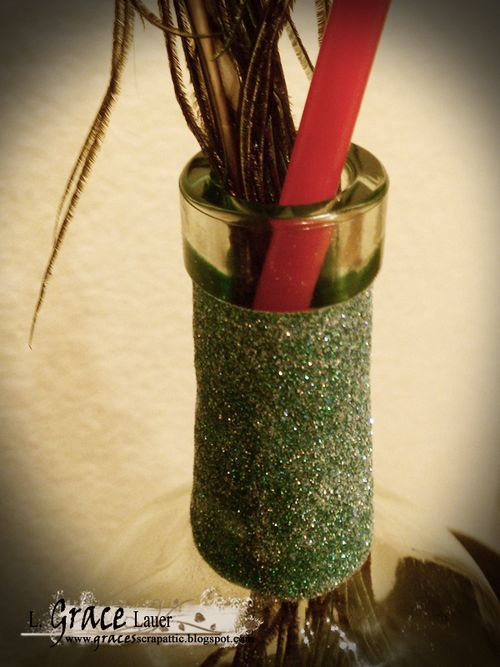 Peacock-liquid-scrap-dots-wine-bottle-upcycle-helmar-grace-lauer-straw-trick
