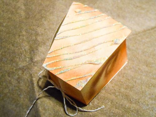 Jvanderbeek_helmar_kingcake_pillowbox_slice