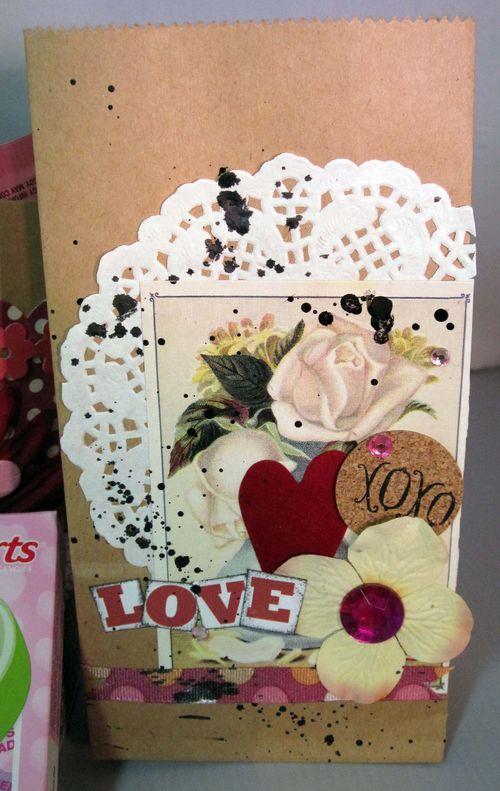 Helmar_Valentine_Kitsnbitscraps_paper_bags