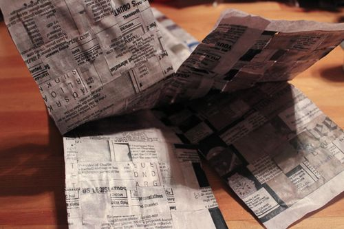 Jvanderbeek_helmar_woven_newspaper_bag-gluing tab