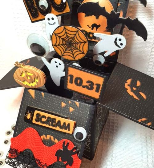Helmar_Kitsnbits_Pop_Card_Halloween16