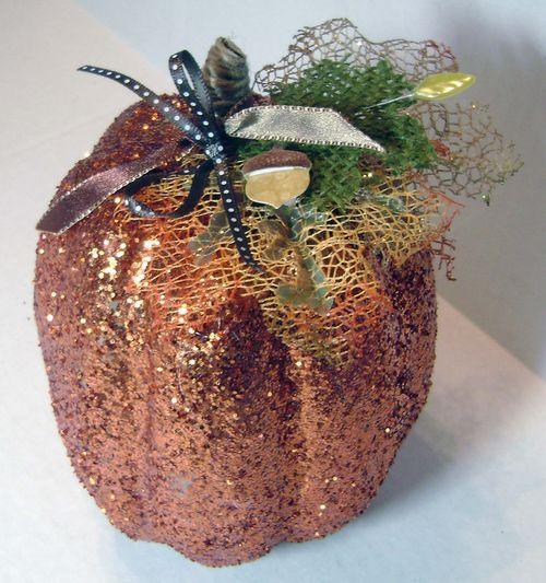 Helmar_Kitsnbitscraps_Thanksgiving_Glitter_Pumpkin