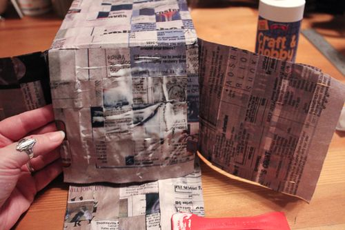 Jvanderbeek_helmar_woven_newspaper_bag-gluing-flaps