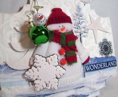Helmar_Kitsnbitscraps_winter_door_hanger