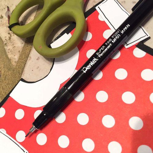 Helmar_Kitsnbitscraps_Craft_Glue_minnie_pen_paper_piecing