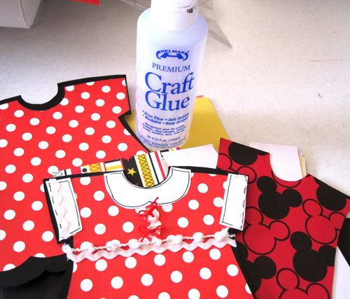 Helmar_Kitsnbitscraps_Craft_Glue_Album_Disney