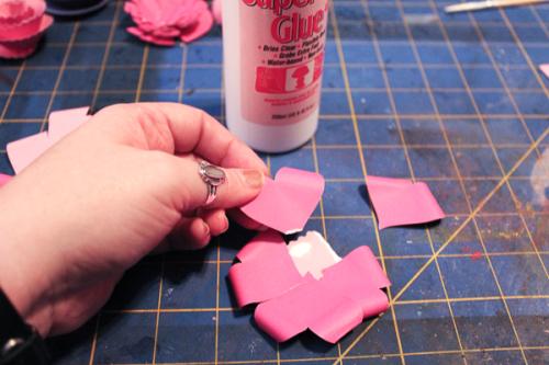 Jvanderbeek_helmar_florigami_paper_flowers_flat_heart_petals